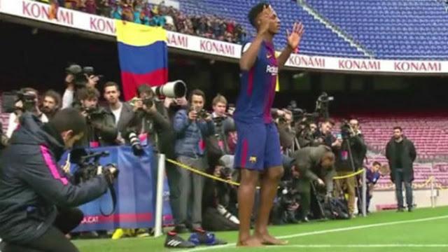 Barca: SAO 100 triệu euro đi chân đất ra mắt, nịnh Messi hết lời 2