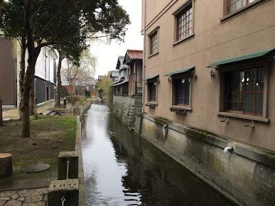 黒壁スクエア内の水路