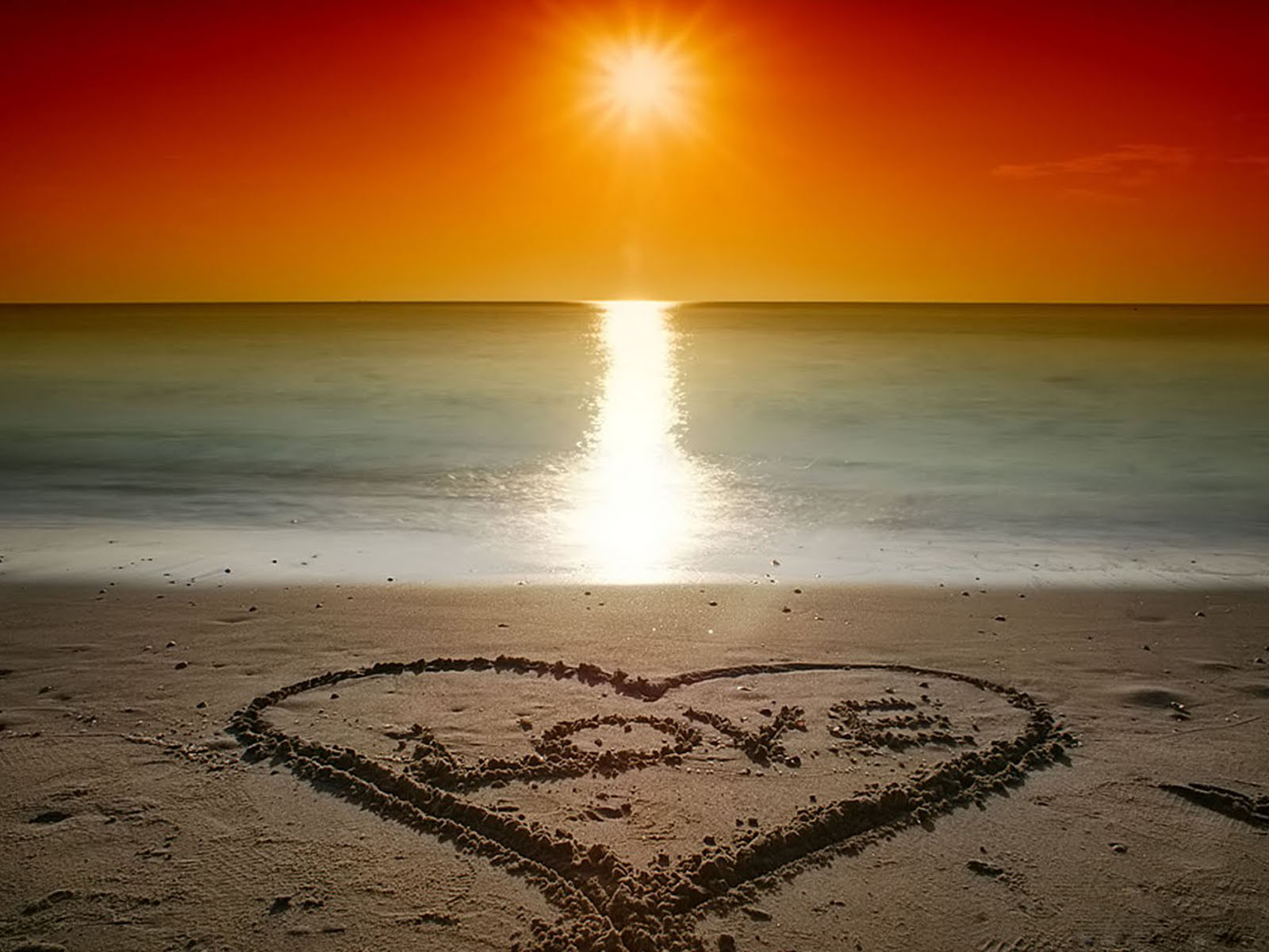 wallpapers: Valentine's Beach Love Wallpapers