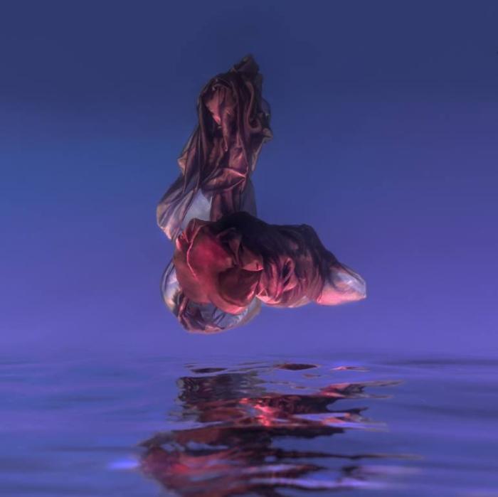 Танцы под водой. Maya Almeida