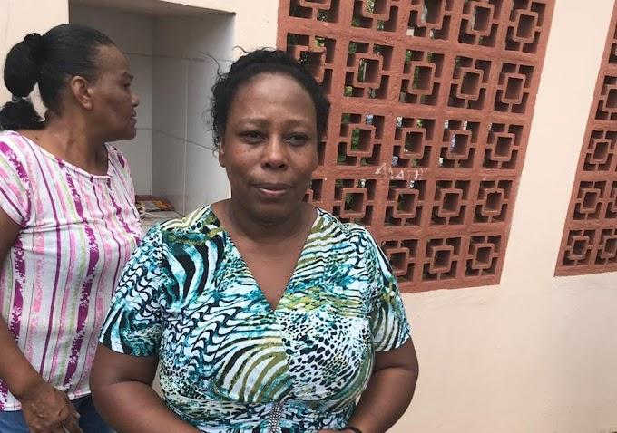 SALVADORA: Merendeira diz que ajudou a esconder 50 alunos na cozinha durante ataque; geladeira e freezer serviram de barricada.