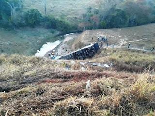Quatro paraibanos morrem em acidente envolvendo ônibus em Minas Gerais