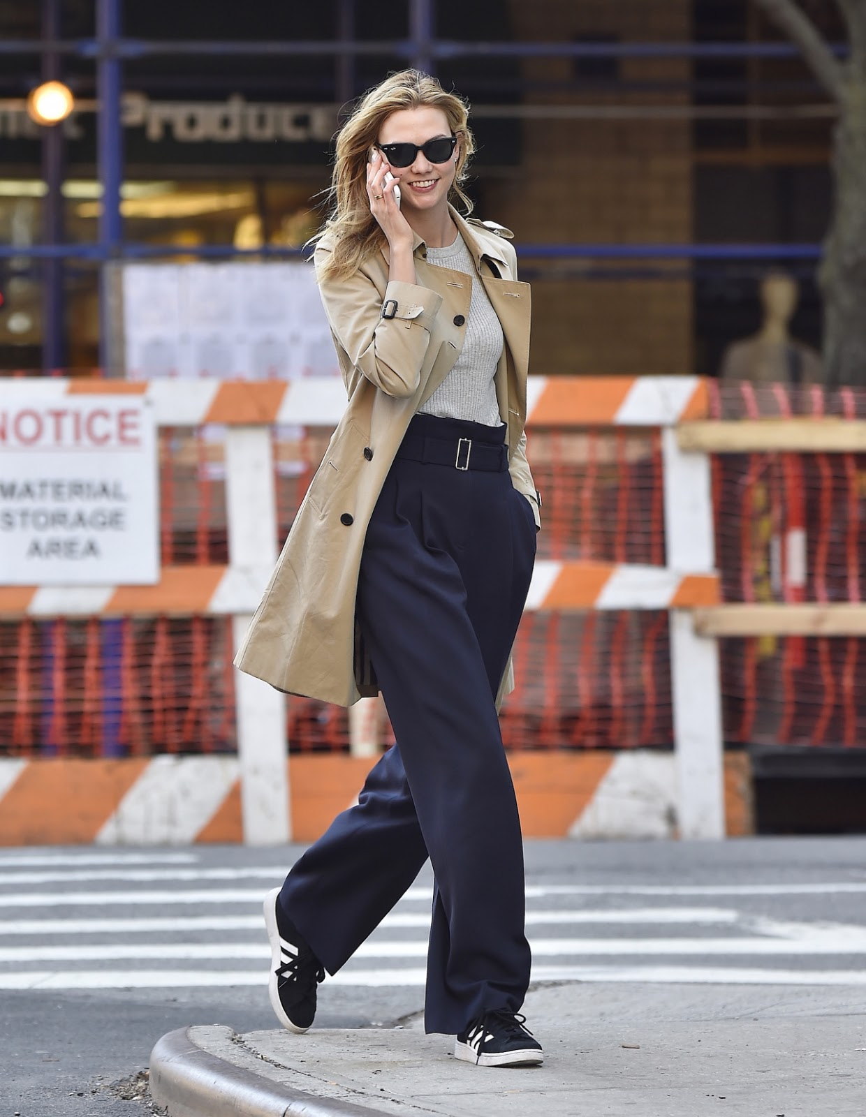 Karlie Kloss Goes High Waisted in New York City 2016