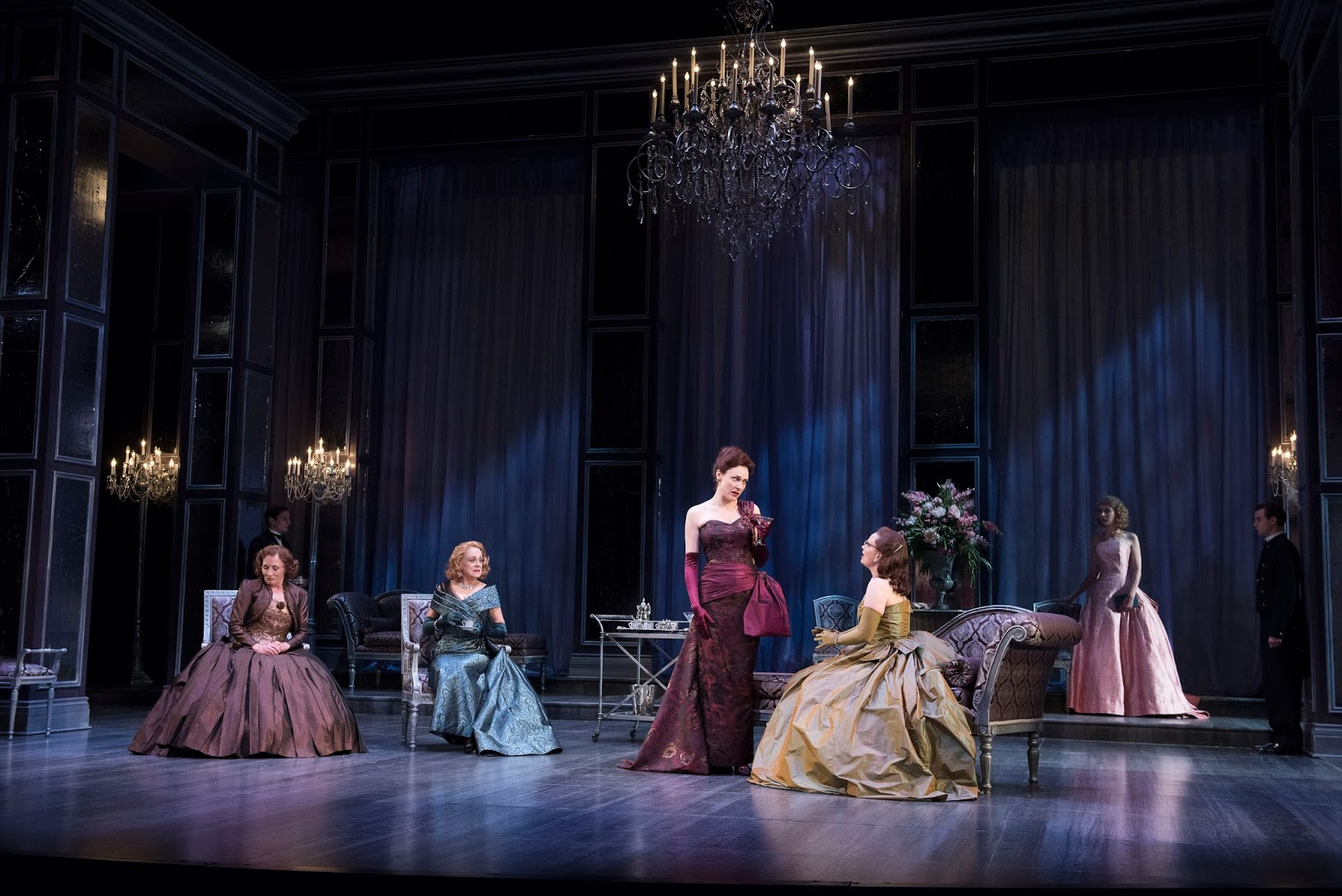 a woman of no importance by A woman of no importance focuses on the relationship between lord illingworth and his son gerald arbuthnot, his illegitimate son who he hires by chance as his secretary.