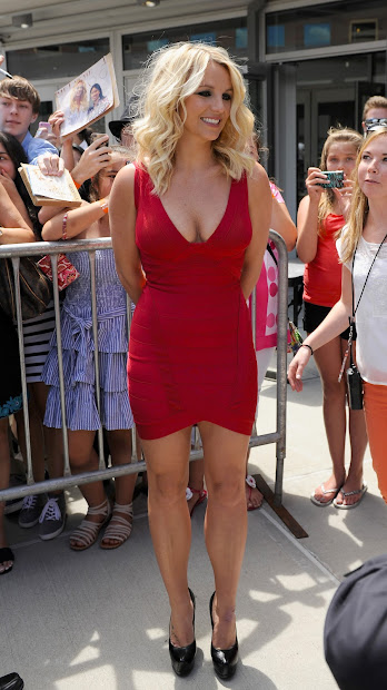 Britney Spears In Sexy Red Bandage Dress X-factor Auditions - Leg Cross