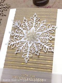 Flockenzauber trifft Schneegestöber stampin up schneeflocke gold transparentpapier vegas shimmer mist glanzvarbe spritzer prägeform wellpapier