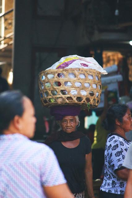 penjual di pasar ubud