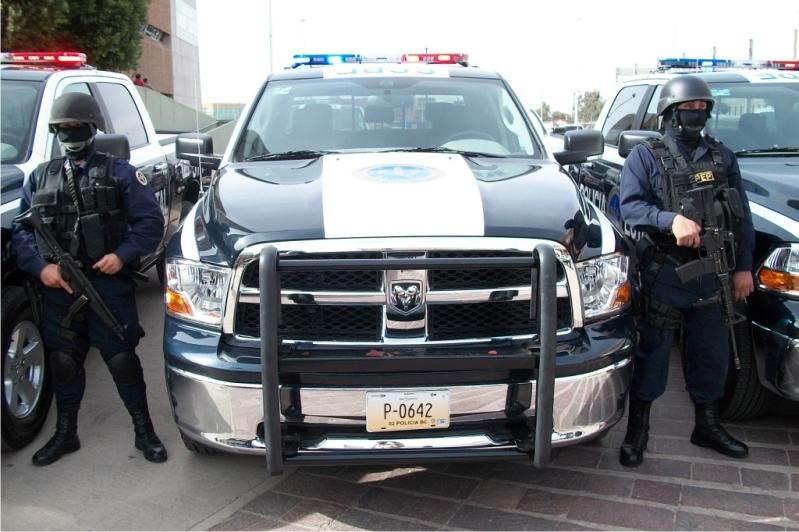LOS PEPOS (Policías Estatales) fueron humillados y desarmados en por Narcotraficantes en Tijuana