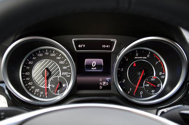 Mercedes AMG GLS 63 4MATIC có thiết kế đồng hồ kiểu 2 ống