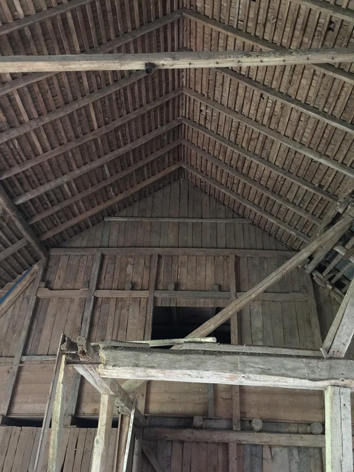 Ett gammalt timmerhus: att renovera med små medel...