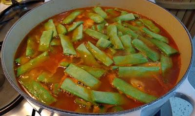 OLLA GITANA Potaje tradicional murciano de legumbres y verduras receta cocina española murciana potaje guiso legumbres garbanzos calabaza vegetariana vegana pobre economica barata recetas de mi madre plato de cuchara