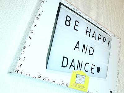 Saippuakuplia olohuoneessa- blogi. Diy Light Box Sign
