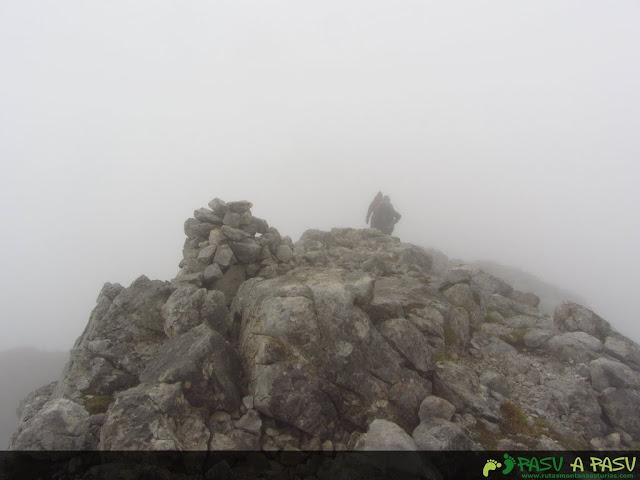 Grupo de piedras en la cima del Valdominguero