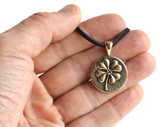 купить кельтский талисман лист клевера кельтский клевер четырехлистный