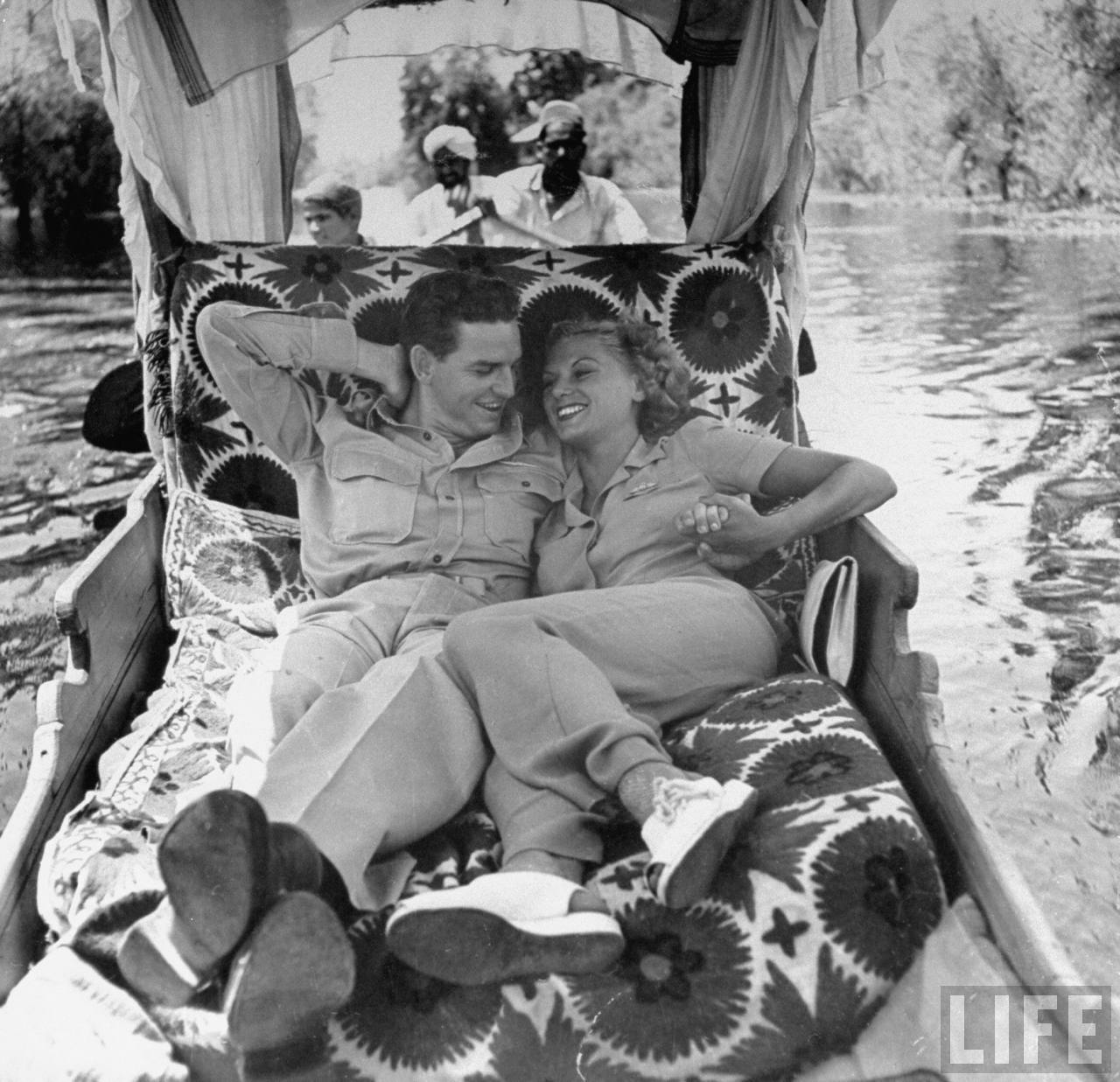 US Soldier Vaden Carney (L) and Pam Rumbold, taking a romantic boat ride in Kashmir - 1943