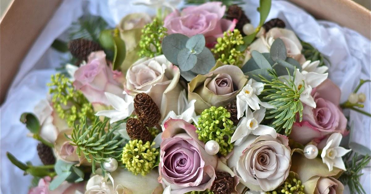 Wedding Flowers Blog: Jen's December Wedding Flowers
