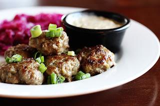Frikadeller: albóndigas de carne de cerdo y patatas