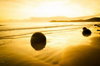 Moeraki Boulders by Ratcliff