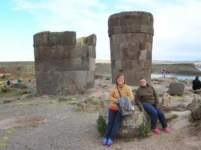 Tumbas de Sillustani, Puno, Perú, La vuelta al mundo de Asun y Ricardo, round the world, mundoporlibre.com