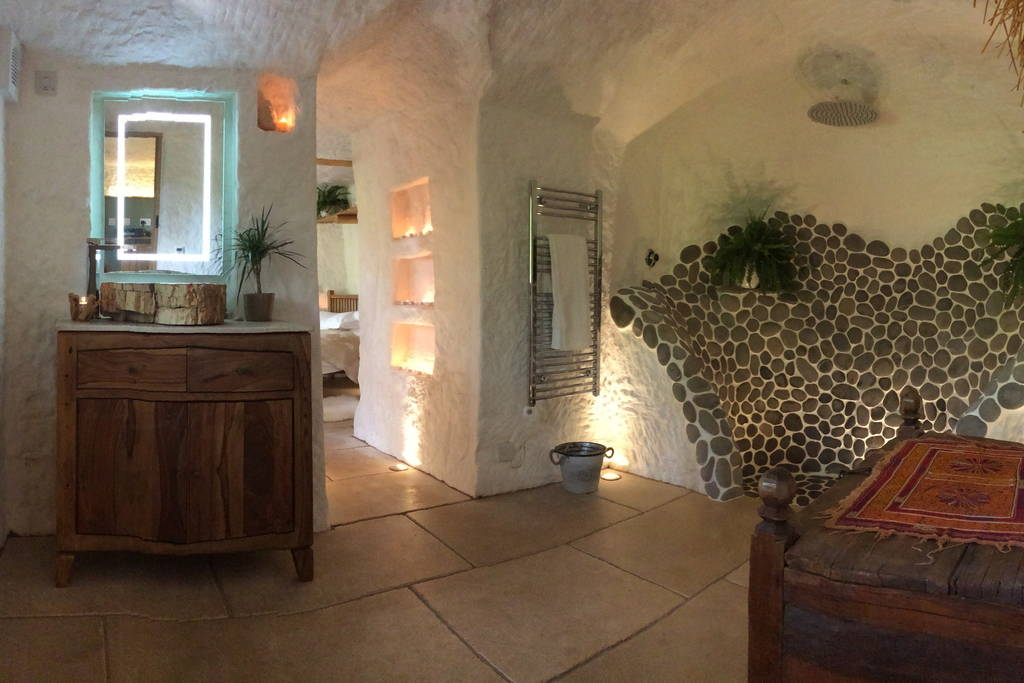 08-Shower-Room-Angelo-Mastropietro-Caveman-Architecture-in-The-Rockhouse-www-designstack-co