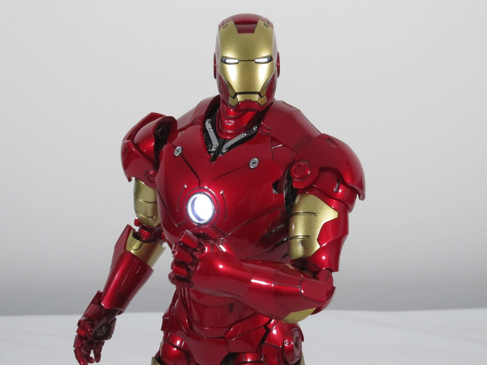 Kool Kollectibles: Hot Toys MMS256-D07 Iron Man Mark 3
