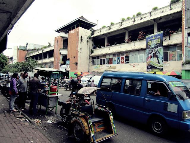 bagian barat pasar besar Kota Malang