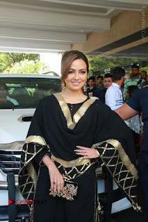Bollywood Actress Sana Khan Launches Aakrithi Exibition  0050.JPG
