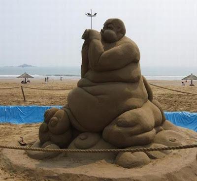 Escultura de arena gordo
