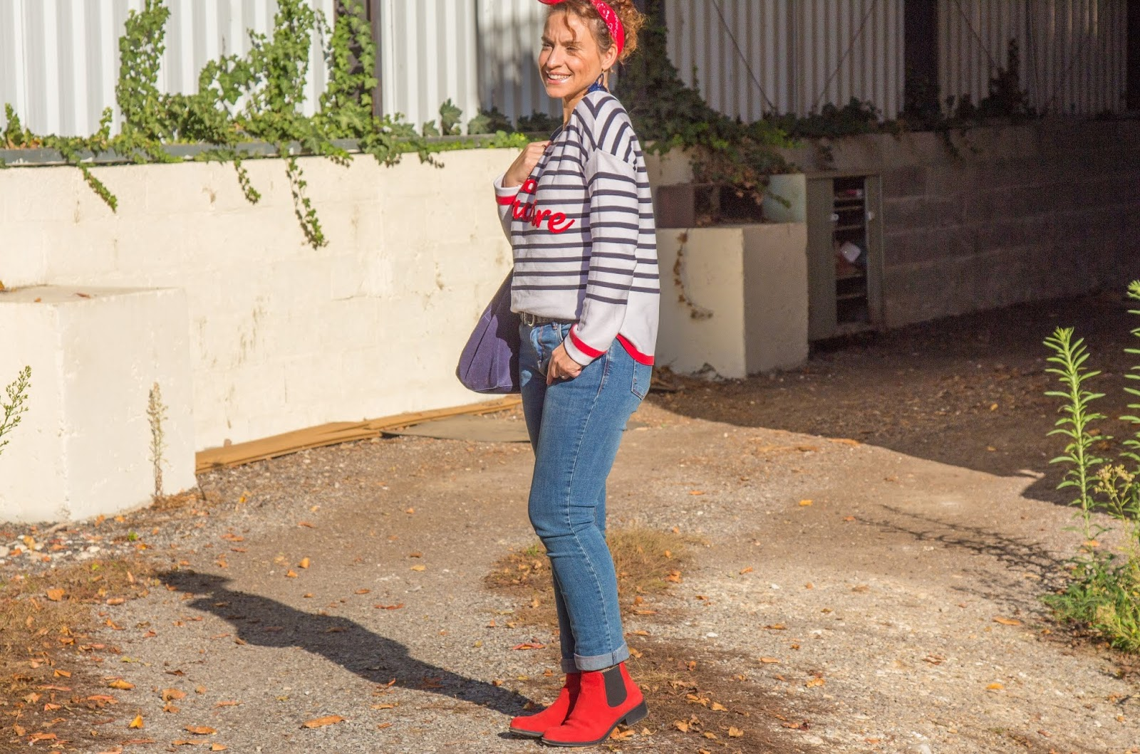 look-mariniere-promod-bottines-rouges