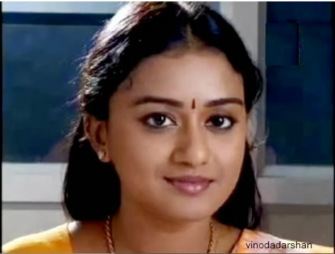 Varada plays the role of Amala in Amala Serial