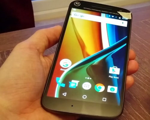 Moto-g4-and-Moto-g-plus-mobile-on-video