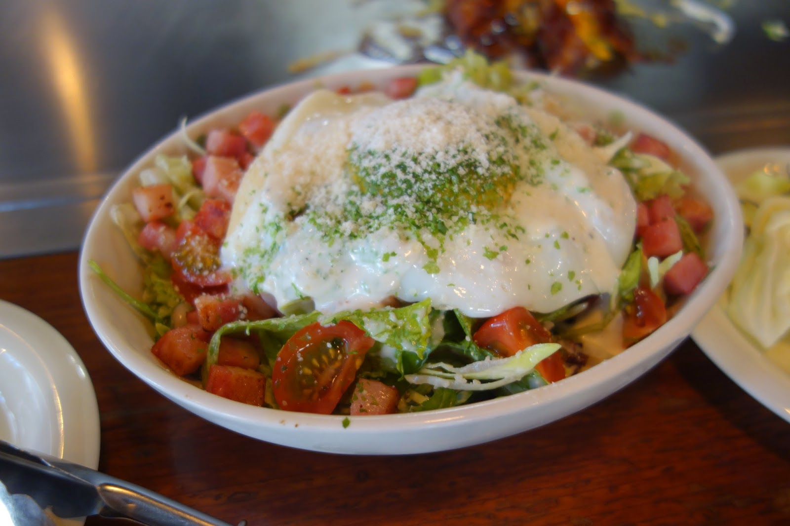 トマトとベーコンのシーザーサラダ_カンラン