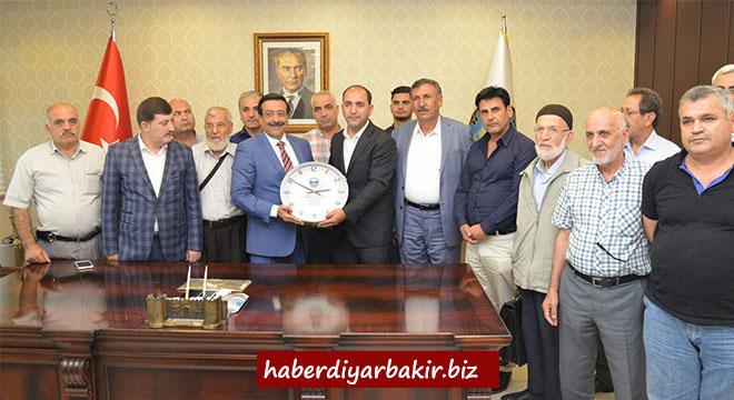 Diyarbakır Dernekleri Federasyonundan Cumali Atilla'ya ziyaret