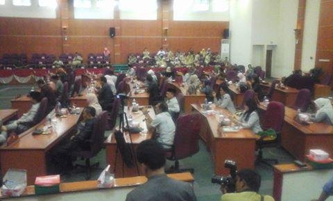 Fraksi DPRD Berikan Pandangan Terhadap Raperda APBD 2017