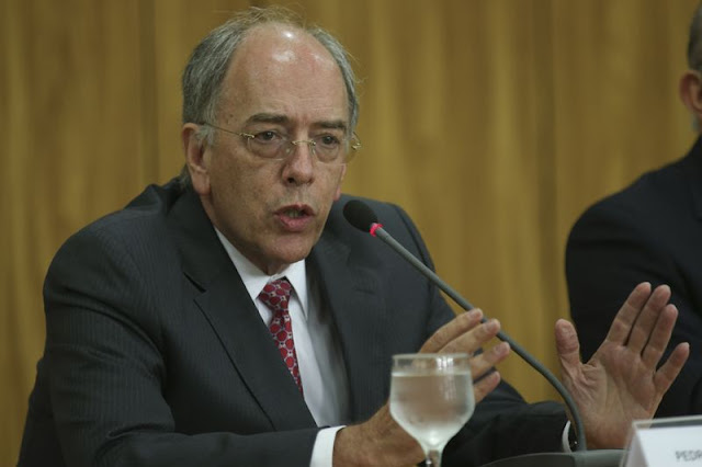 O presidente da Petrobras, Pedro Parente, pediu demissão da estatal na manhã dessa sexta-feira (01)
