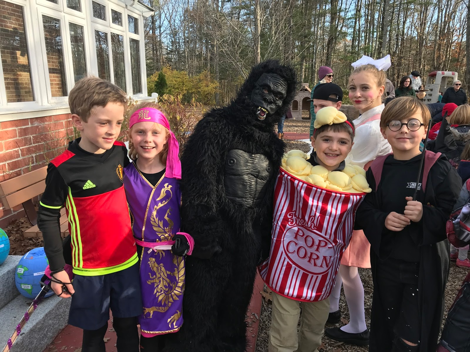 halloween parade in november - l'ecole francaise du maine