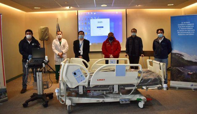 Donan ecógrafo y 8 camas clínicas a Hospital de Castro