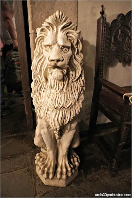 León del Castillo Medieval Hammond en Gloucester, Massachusetts