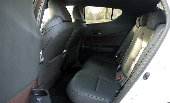 Toyota C-HR Hybrid rear cabin