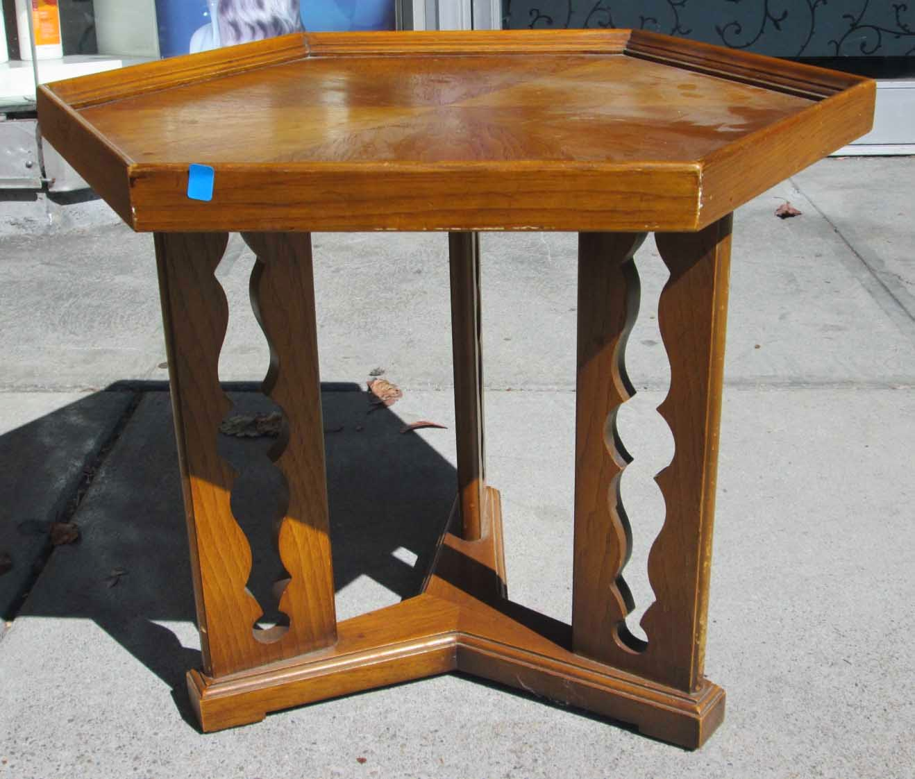 UHURU FURNITURE & COLLECTIBLES: SOLD End Table With Unique