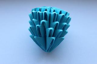 DIY-Basteltipp für eine 3D-Origami-Blume von Ars Vera
