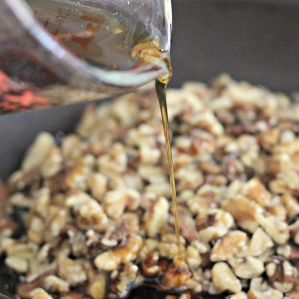 Maple Syrup Glazed Walnuts | Renee's Kitchen Adventures Two ingredients make this super simple snack so easy and healthy!