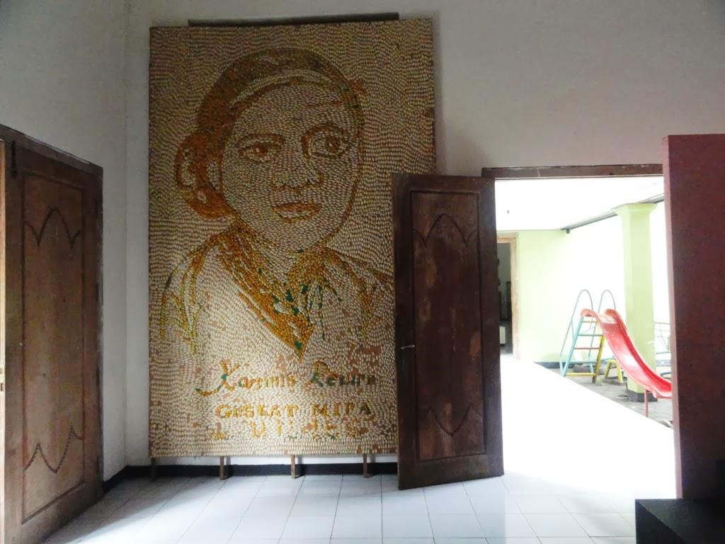 Salah satu lukisan wajah RA. Kartini