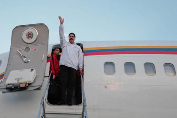 """""""Complejo de jeque"""": Los dos lujosos aviones en los que viajó Maduro a Kazajistán"""