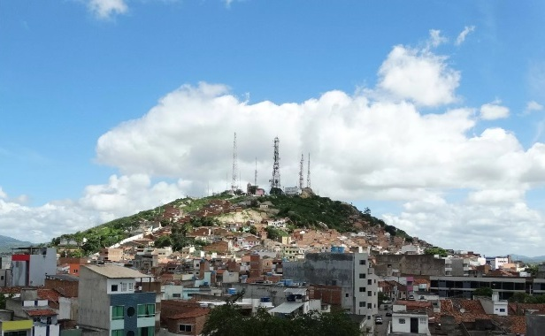 Tremor de terra registrado em Caruaru neste domingo (17) pode ter sido sentido em Santa Cruz