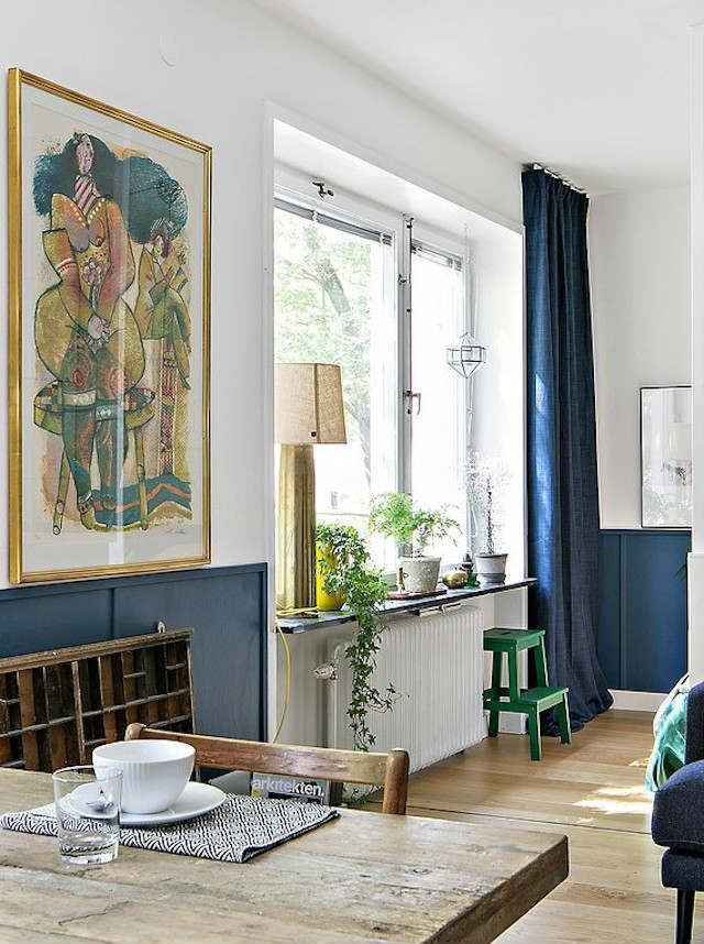 ventana con repisa de madera