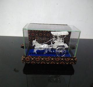 miniatur dokar perak