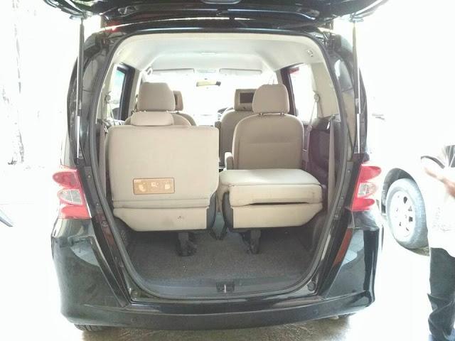 Honda Freed PSD tahun 2009 bekas surabaya