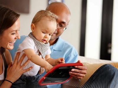 crianças e tablets