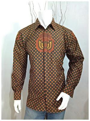 Kemeja Batik Pria Sogan Batik Solo motif bunga kecil